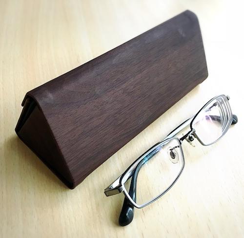 新しいメガネケース